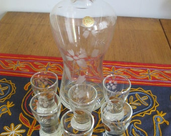 Vintage Etched Pasabahce Wine Decanter and 6 Glasses