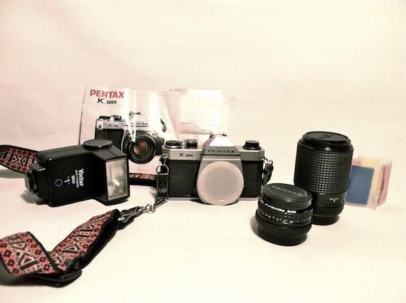 Vintage Pentax Asahi K1000 w/ two lenses and flash
