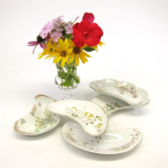 Five vintage bone plates - crescent china dishes - favors - instant collection