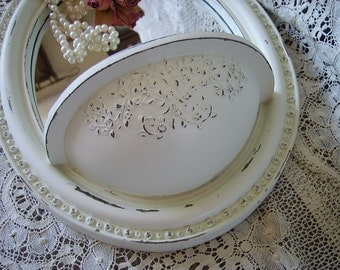 Shabby Romantic Cottage Oval Pocket Mirror, creamy white, distressed, elegant