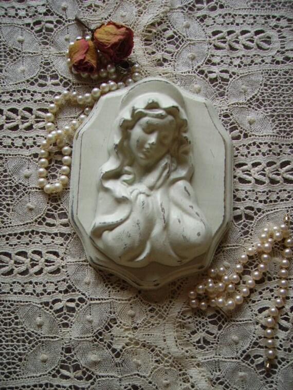 Shabby Cottage Blessed Virgin Mary in Prayer, creamy white, elegant, devotional, distressed