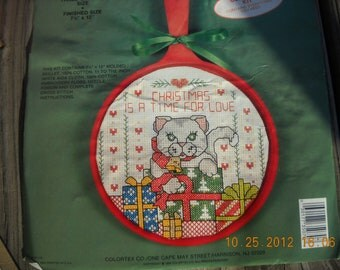 Vintage Christmas Cat Embroidery kit Counted cross stitch  Skillet colortex