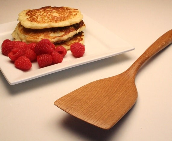 Large wooden spatula for flipping pancakes and tortillas