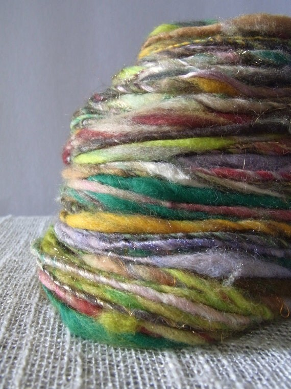 Handspun Art Yarn A Day on The Green 40g 65m 7wpi Thick and Thin