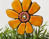 flower garden decor - plant stake - flower sculpture - garden art - lawn ornament  - plant pot decoration - fun gift - Yellow Buttercup