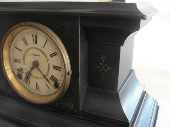 LaFrance mantle clock Metropolitan mfg. co