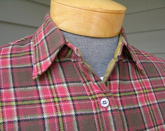 vintage 1960's Woman's Pendleton long sleeve flannel 'Lodge' shirt. All wool - Tartan. Medium - Large