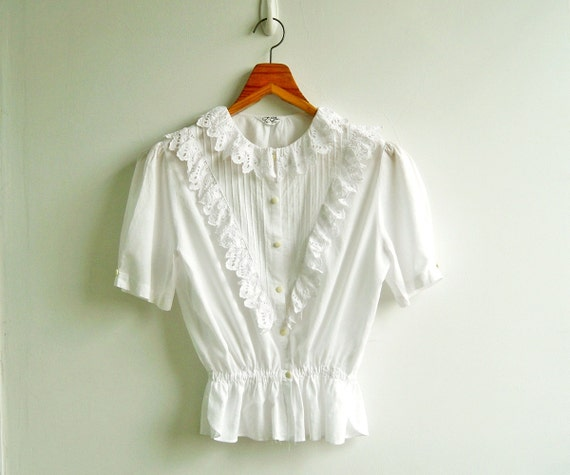 Vintage Romantic Victorian Lace Embroidery and Cut Out Puff Sleeves Elastic Peplum Top