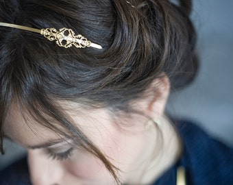 Vintage style filigree gold and glass pearl headband