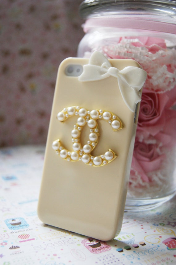 Cream Yellow Designer Inspired CC Iphone 4 4s With Gold Pearl Logo Elegant Cell Phone Case