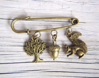 Brooch with acorn, tree and squirrel. Woodland brooch