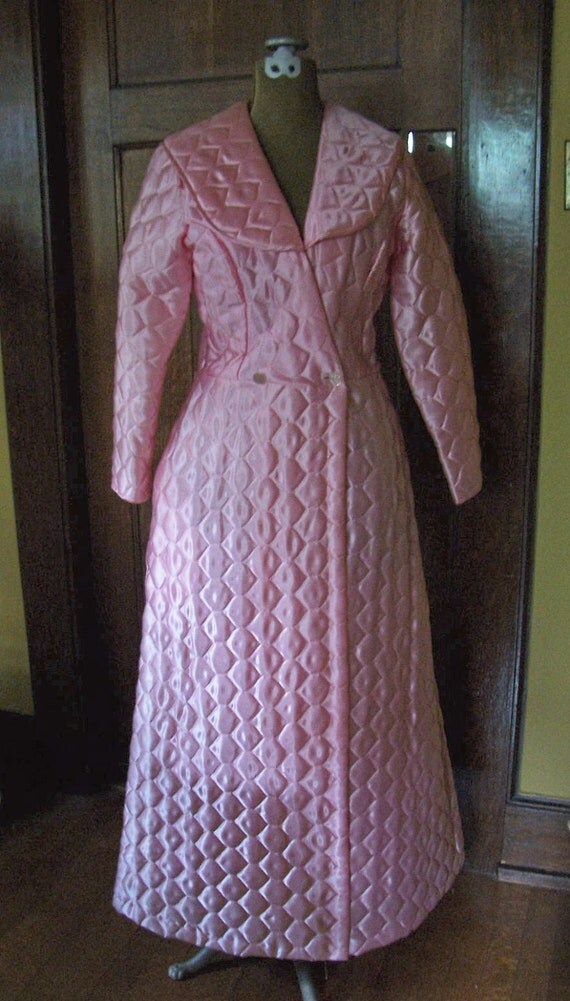 Shiny Pink Satin Quilted Robe Full Length And Fitted 1960s