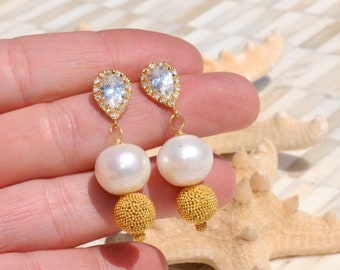 The Perfect Pearl Earrings/Statement Bridal Earrings/Statement Pearl Earrings