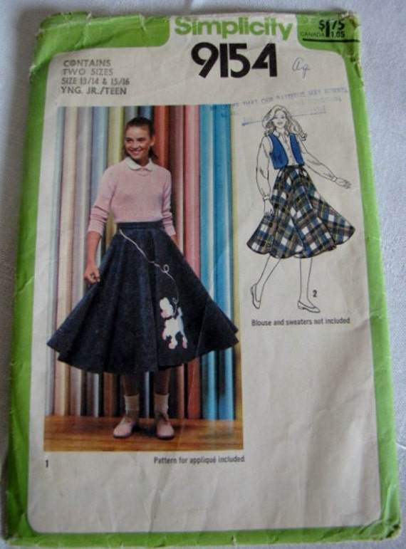 1979 Sewing Pattern Vintage Poodle Skirt Young Junior Teen Dog Applique Simplicity