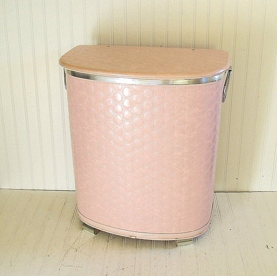 Large Pink Wicker Clothes Hamper Vintage Pearl Wick Blush