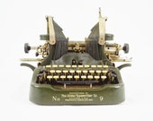 The Oliver Standard Visible Typewriter No. 9 - Printype - Antique (1919-1922)