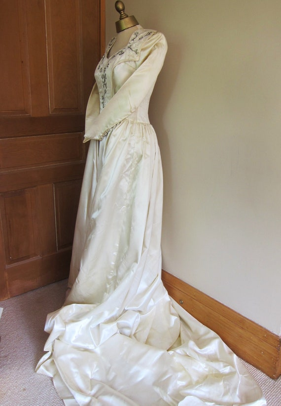 1940s satin wedding dress long train beaded stomacher