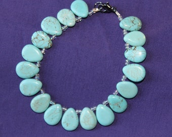Pretty Turquoise Colored Hewlite Bracelet