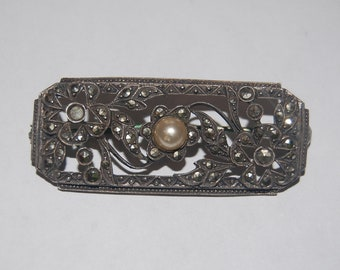 Sweet Deco 30s English Marcasite & Sterling Silver Brooch w Pearl