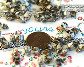 105 1950s Miniature Silver Toned Leaf Bail Findings