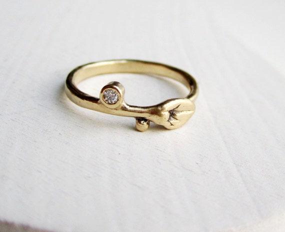 14K Yellow Gold & Diamond Small Leaf Ring