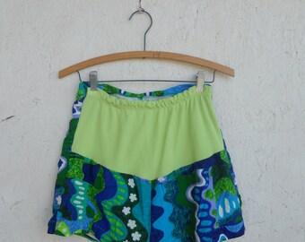 SALE Vintage 60s 70s Maternity Swimsuit Bottoms . High Waist Shorts . Hawaiian Print XS, S