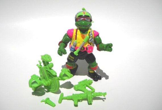 TMNT Action Figure: Sewer Cyclin Raph Complete