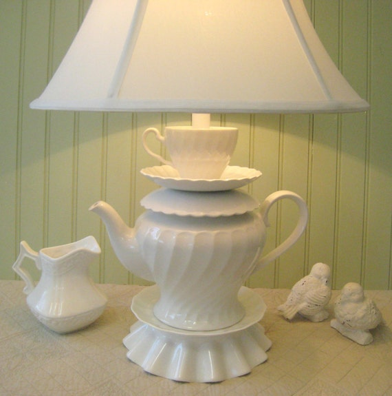 alice in wonderland teapot lamp