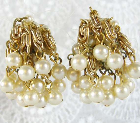 Vintage Pearl Earrings, White Beads, Gold Spiral Chains, Clip-on Chandelier Dangles, 1960's Mad Men Jewelry