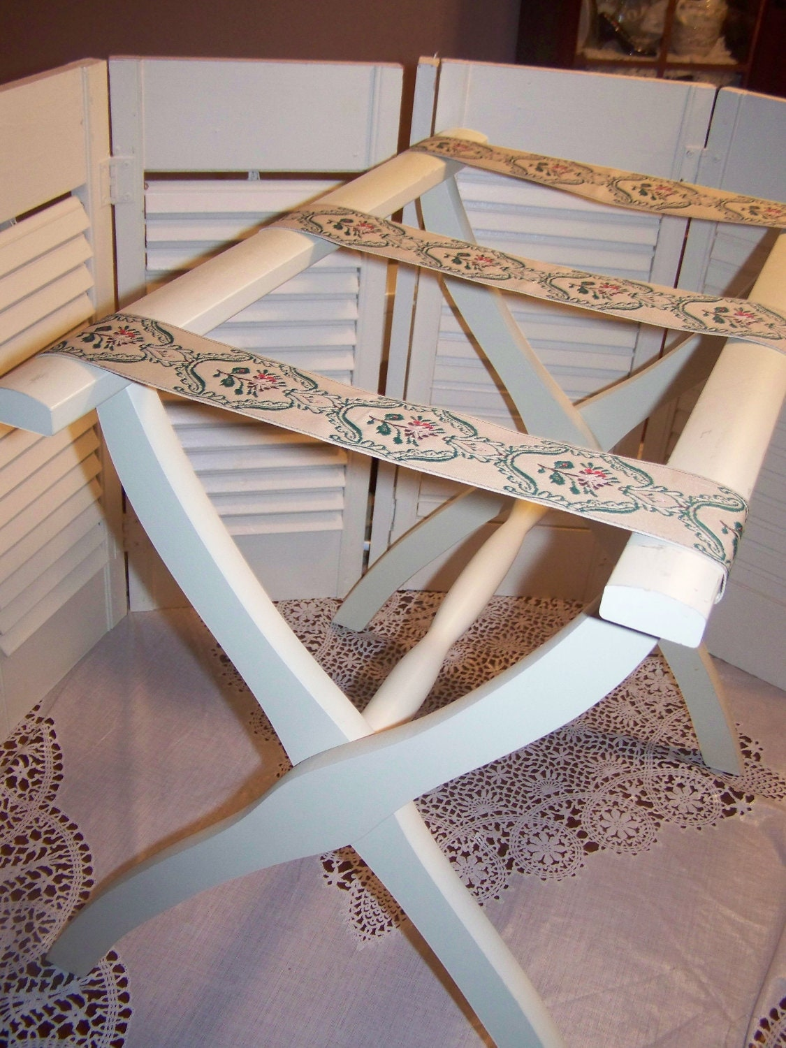 Vintage Folding Luggage Suitcase Rack Stand White With Brocade