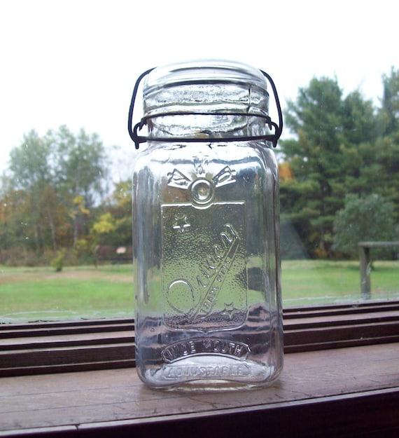 SALE- Mason Jar / Vintage Queen Mason Jar / Smalley & Co
