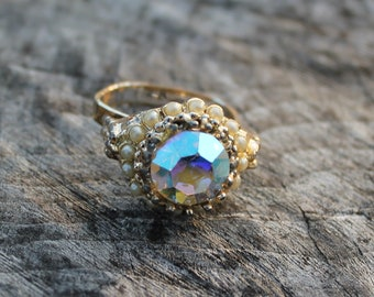 Vintage Pearl and Carnival Glass Ring