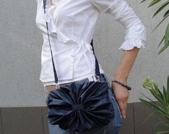 Fleur-de-Lis Purse with 3 Straps Convertible Bag - Customizable for Color Fabric - Messenger bag - Waist purse - Handbag - Shoulder bag