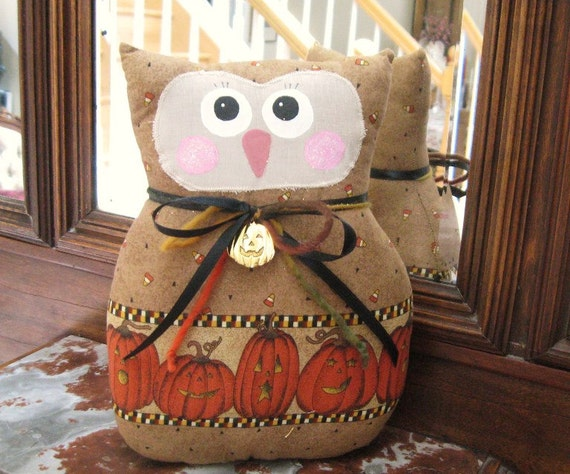 OWL Pillow Owl Doll 9 inch HALLOWEEN Pumpkin Print Soft Sculpture Owl, Primitive Handmade CharlotteStyle Decorative Folk Art