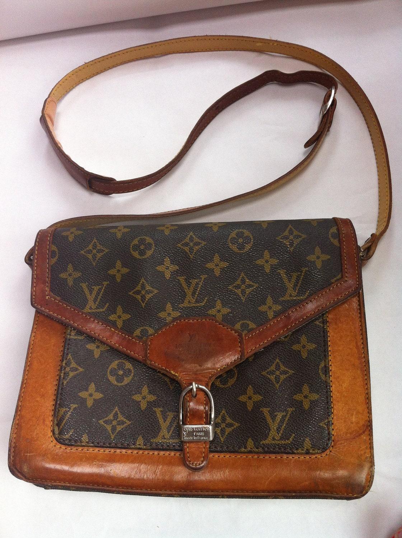 Louis Vuitton Vintage Monogram Leather Cross Body Bag Purse