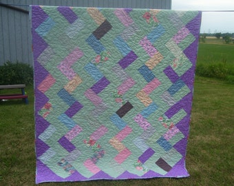SALE - Mint green and lavander ZigZag Quilt