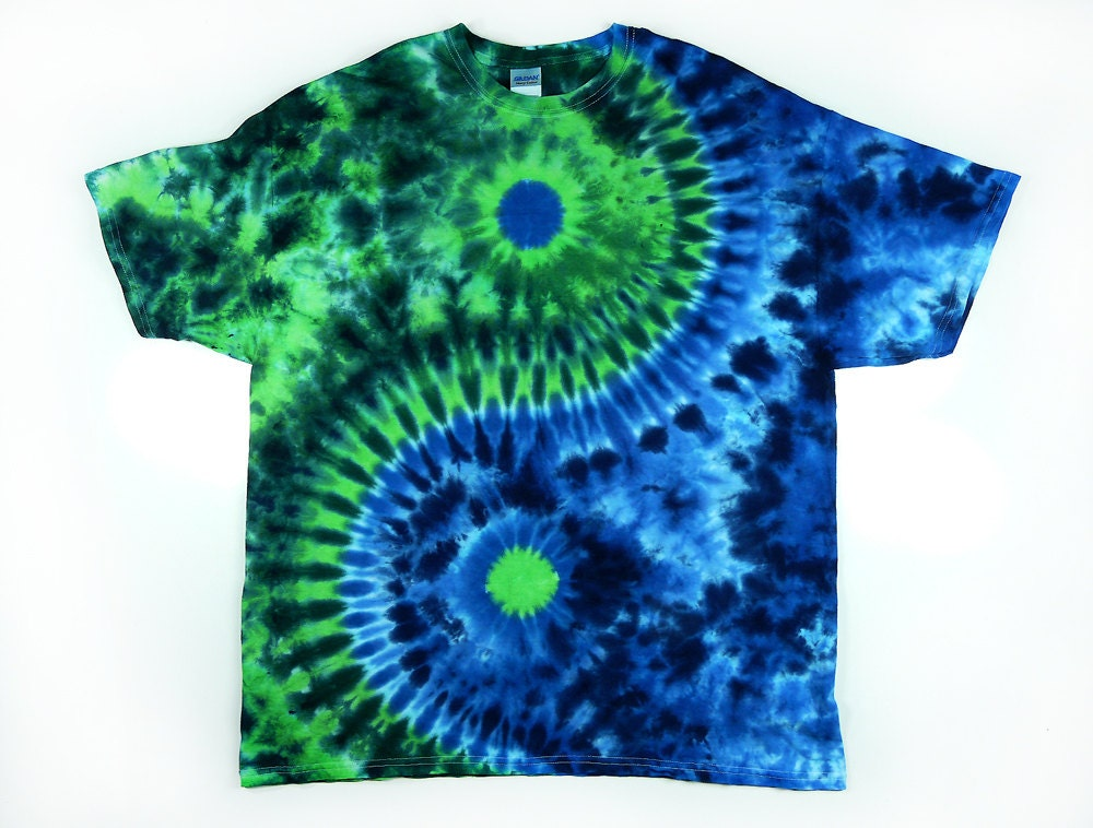 Yin and yang symbol adult tie dye shirt short or long for Tie dye t shirt patterns