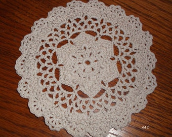 Crocheted Ecru Doily (e11)