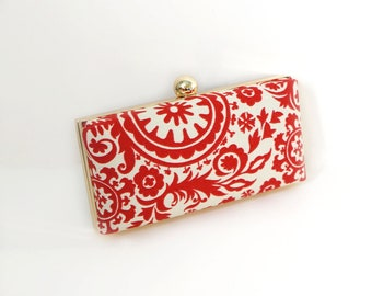 Chic Red Clamshell Clutch Purse