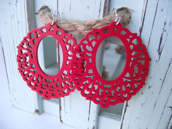 WOODEN FILIGREE - Earrings - Red Delicious