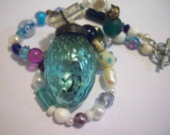 Festive Christmas Light Bulb Beaded Necklace - Blues, Whites, and Purples