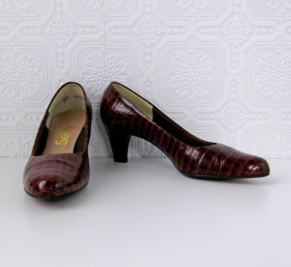 Alligator Pumps, Brown Faux Reptile, by Selby, size 7, Vintage 1970's