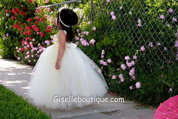 Flower girl dress Gorgeous Ivory TuTu Dress. Ivory tutu dress. Vintage tutu dress. baby tutu dress, toddler tutu dress, wedding, birthday