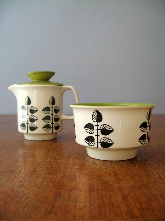 Vintage Mod Cream and Sugar Set - Crown Devon