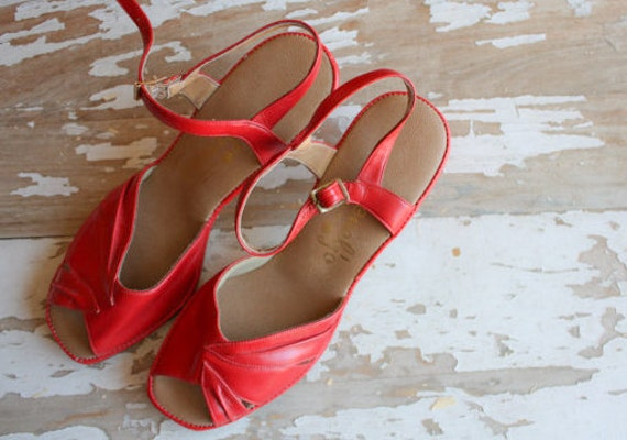 Vintage 1970's 80's Penaljo Cherry Red Leather Sandals Pumps Heels 8.5M