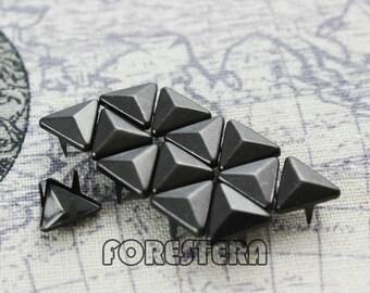 200Pcs 10mm Gunmetal Triangle Studs Metal Studs (GT10)