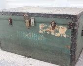 Beautiful Vintage Trunk, Forrest Green with Black trim, Excellent Wear and Patina