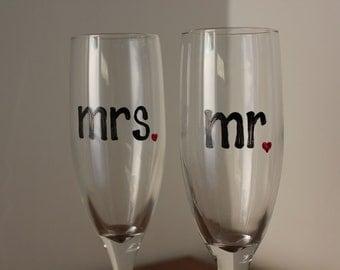 Mr. & Mrs. Toasting Wedding Champagne Flutes