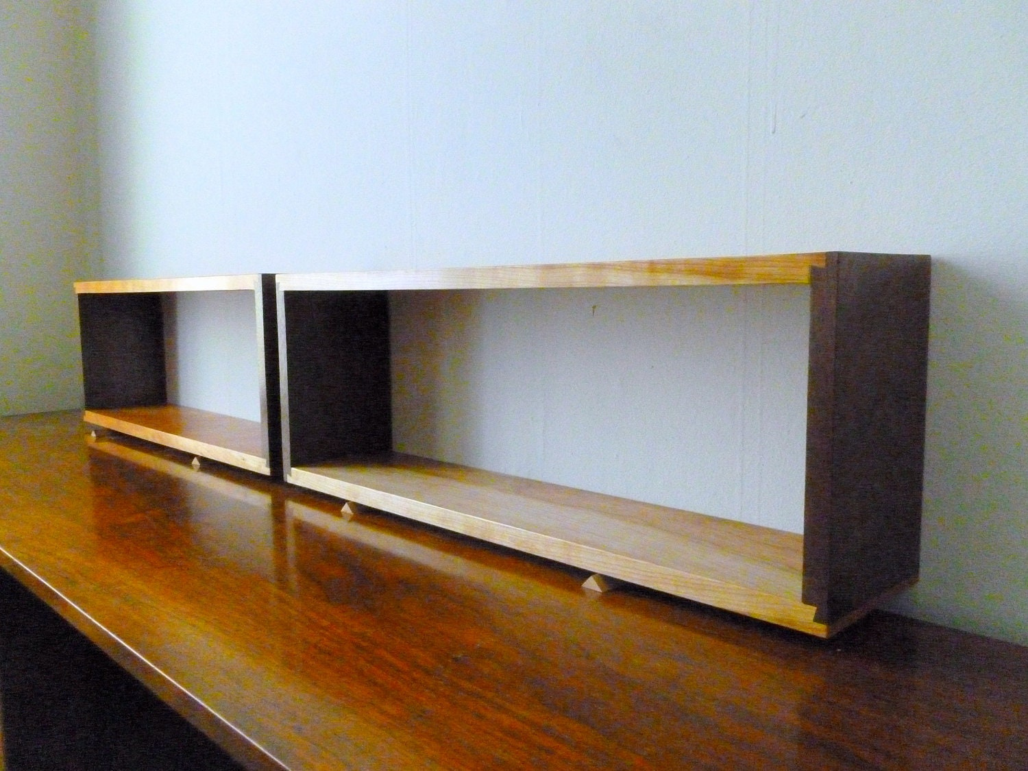 Single simple elegant walnut and cherry dovetail floating wall for Simple single