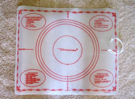 Tupperware pastry and pie dough mat